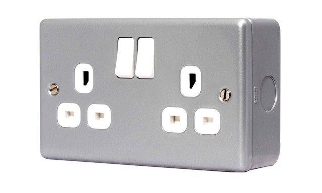 2 Gang Metal Clad Socket Switched