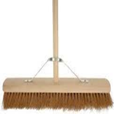 "Platform Brush 24"" W/Metal Stay"